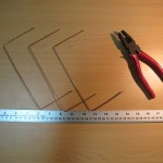 Three copper wires with right angle bends 1/4 wavelength from ends